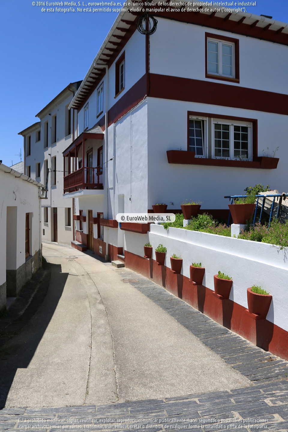 Fotografía de Viavelez (La Caridad) en El Franco. Asturias. España.