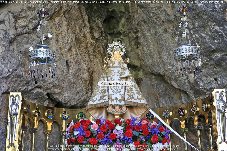 Fotografía de Santa Cueva en Cangas de Onís. Asturias. España.