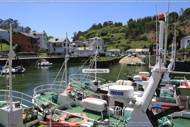 Fotografía de Puerto pesquero de Viavélez en El Franco. Asturias. España.