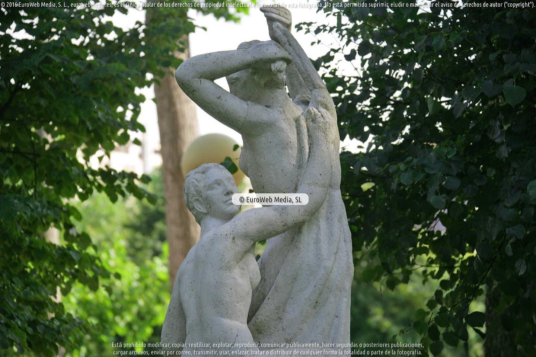 Fotografía de Escultura «Desnudos» en Gijón. Asturias. España.