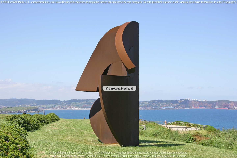 Fotografía de Escultura «Homenaje a Galileo Galilei XV» en Gijón. Asturias. España.