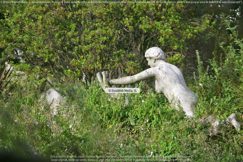 Fotografía de Escultura «Dríadas» en Gijón. Asturias. España.