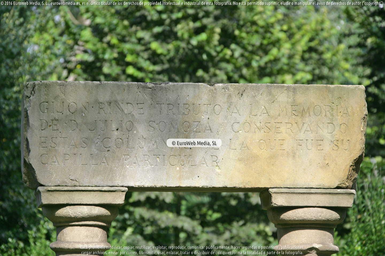 Fotografía de Escultura «Monumento a Julio Somoza» en Gijón. Asturias. España.