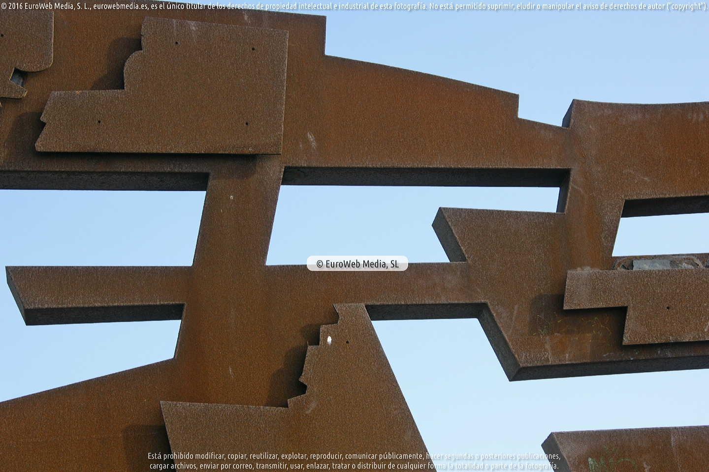Fotografía de Escultura «Nordeste» en Gijón. Asturias. España.