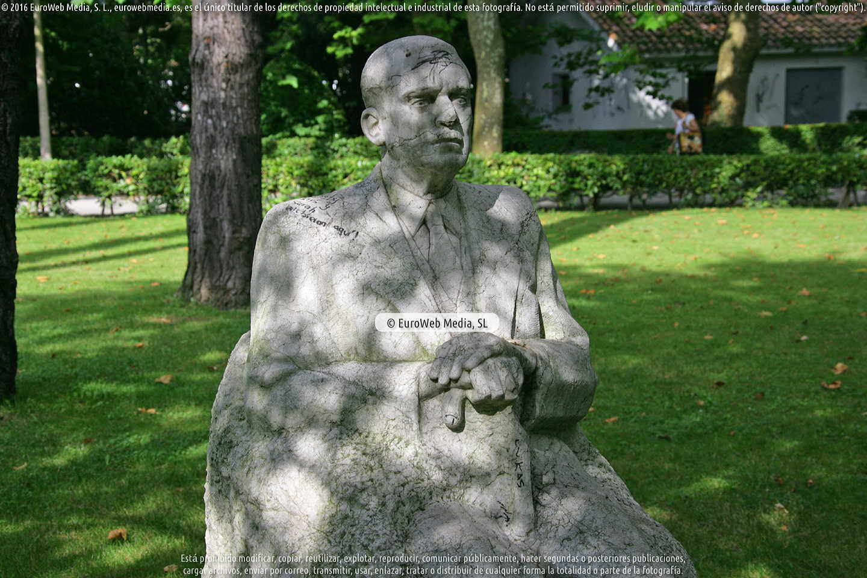 Fotografía de Escultura «Romualdo Alvargonzález Lanquine» en Gijón. Asturias. España.
