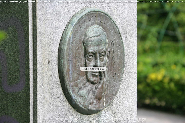 Fotografía de Escultura «Rubén Darío» en Gijón. Asturias. España.