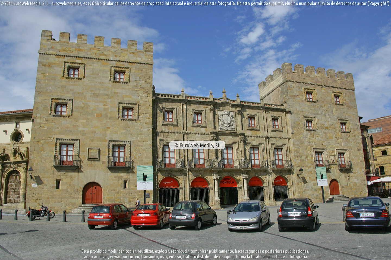 Fotografía de Palacio de Revillagigedo o del Marqués de San Esteban del Mar en Gijón. Asturias. España.