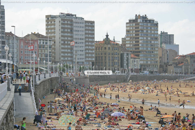 Fotografía de Playa San Lorenzo en Gijón. Asturias. España.