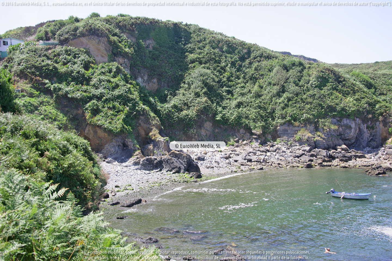 Fotografía de Playa de Molín del Puerto - Puerto Llampero en Gozón. Asturias. España.