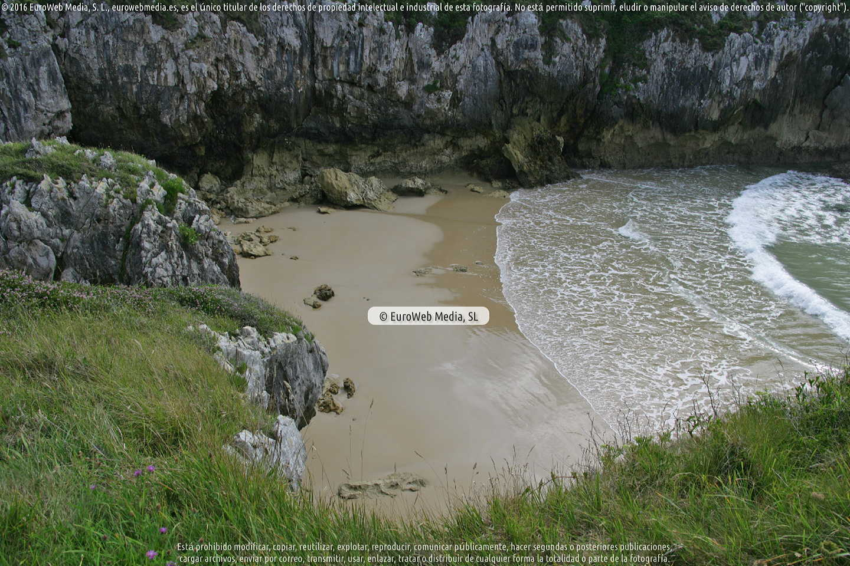 Fotografía de Playa de San Martín en Llanes. Asturias. España.