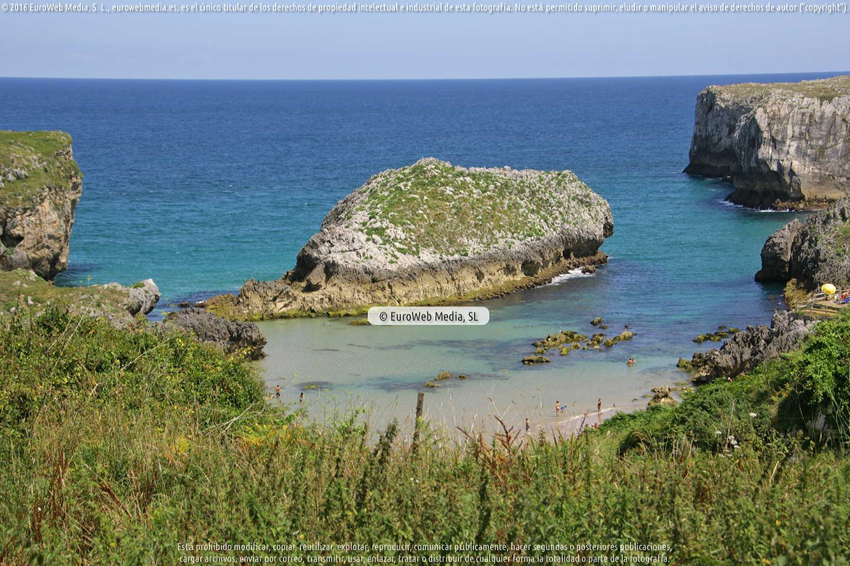 Fotografía de Playa Cué en Llanes. Asturias. España.