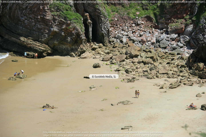 Fotografía de Playa La Ballota en Llanes. Asturias. España.