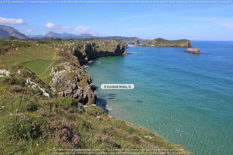 Fotografía de Playa La Tala - El Narantxu en Llanes. Asturias. España.