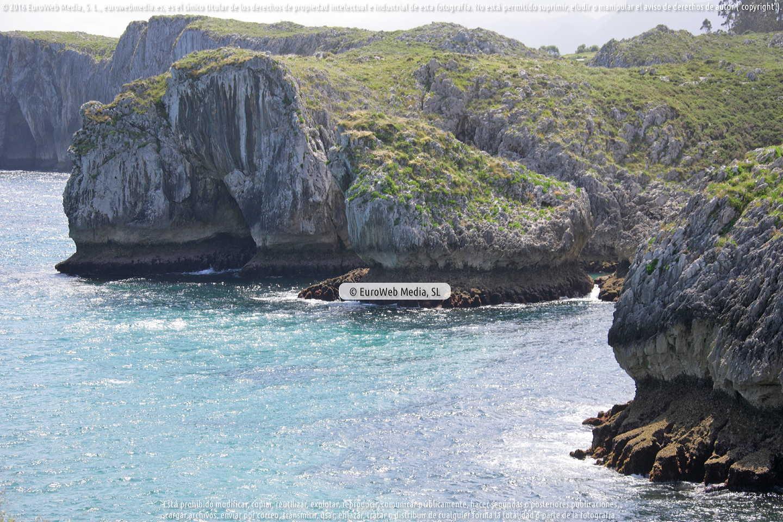 Fotografía de Playa de San Antonio en Llanes. Asturias. España.