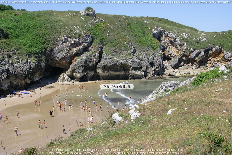Fotografía de Playa Poo en Llanes. Asturias. España.