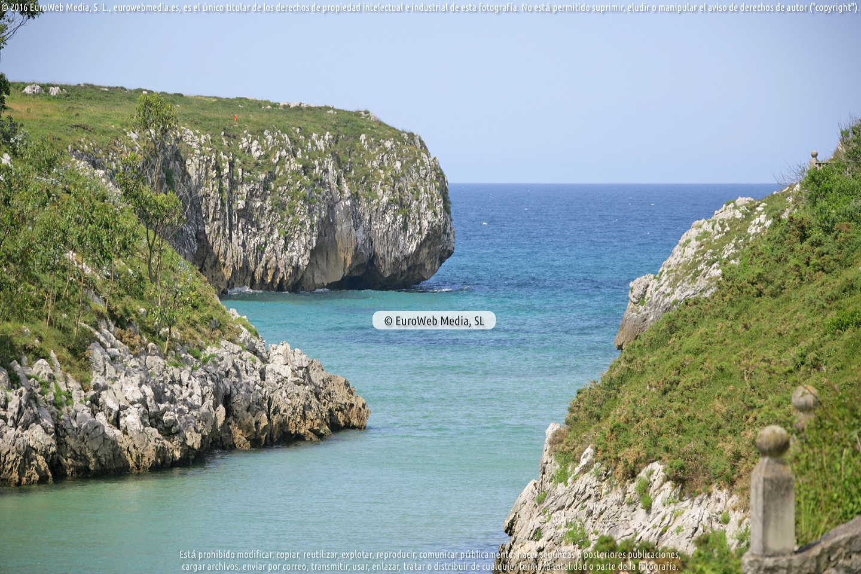 Fotografía de Playa Guadamía (Llanes) en Llanes. Asturias. España.