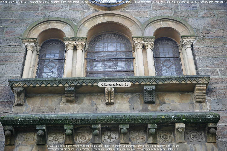 Fotografía de Iglesia de Santa Eulalia de Ujo en Mieres. Asturias. España.