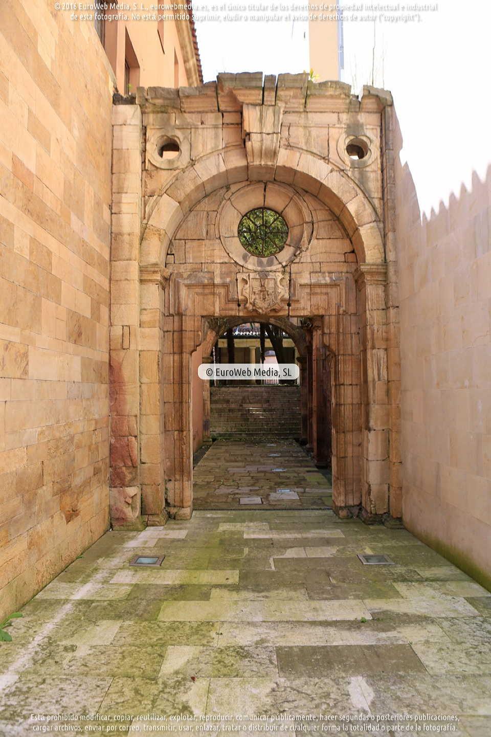 Fotografía de Capilla del Hospital de San Sebastián en Oviedo. Asturias. España.