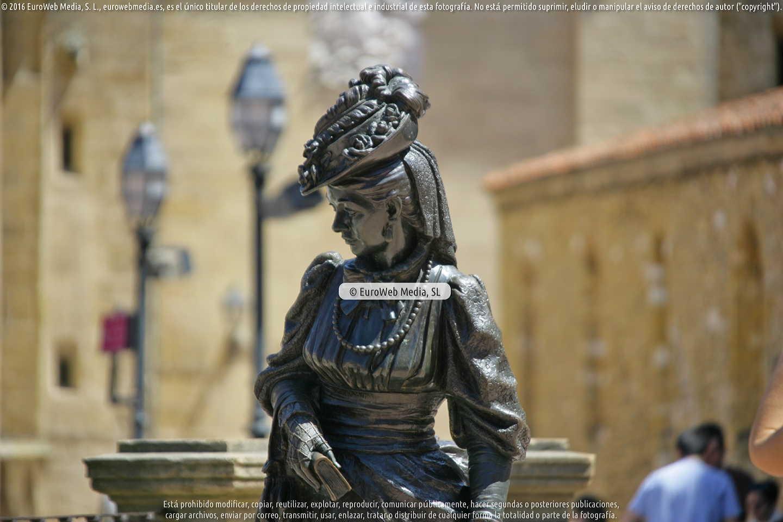 Fotografía de Escultura «La Regenta» en Oviedo. Asturias. España.