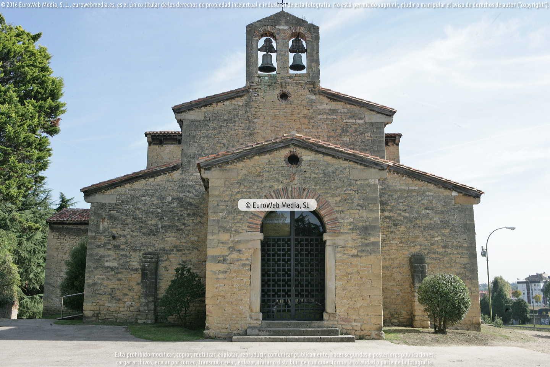 Fotografía de Iglesia San Julián de los Prados de Oviedo en Oviedo. Asturias. España.