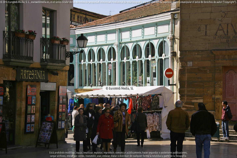 Fotografía de Plaza y mercado del Fontán en Oviedo. Asturias. España.