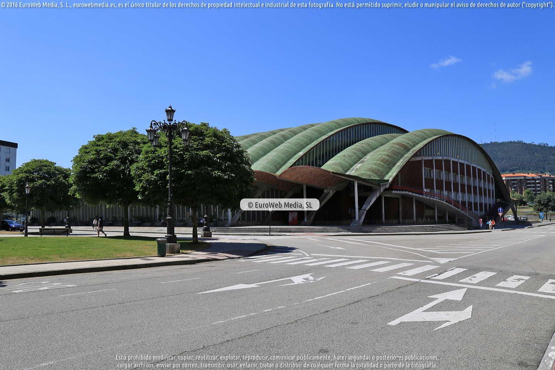 Fotografía de Palacio Municipal de los Deportes de Oviedo en Oviedo. Asturias. España.