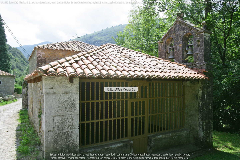 Fotografía de Capilla de San Millán en Peñamellera Alta. Asturias. España.