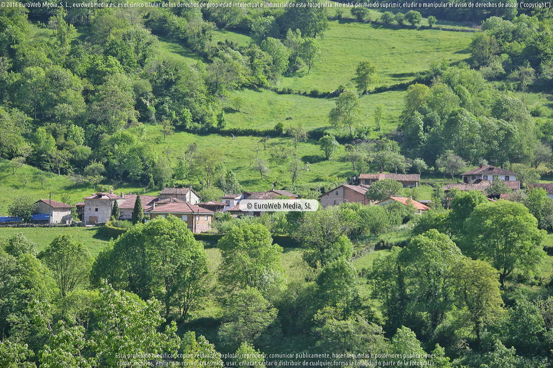 Fotografía de Pantano de Valdemurio en Quirós. Asturias. España.