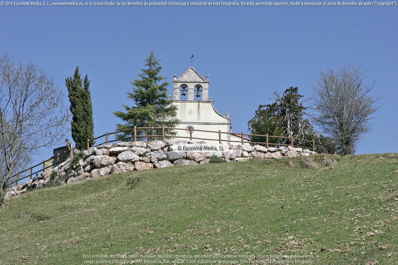 Fotografía de Iglesia de San Antonio de Padua de Pedroveya en Quirós. Asturias. España.