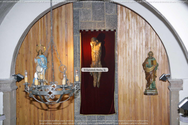 Fotografía de Iglesia de San Pedro de Pola de Somiedo en Somiedo. Asturias. España.