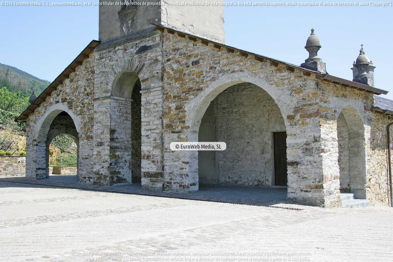Fotografía de Iglesia de San Martín Obispo de Taramundi en Taramundi. Asturias. España.