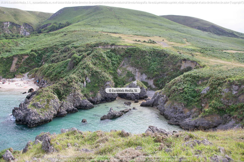 Fotografía de Playa de Portaquinos en Llanes. Asturias. España.