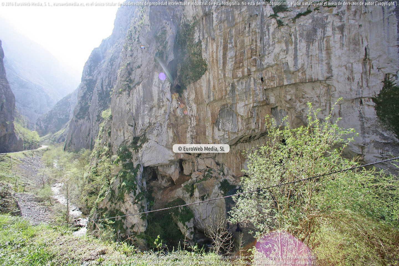 Fotografía de Cueva Huerta en Teverga. Asturias. España.