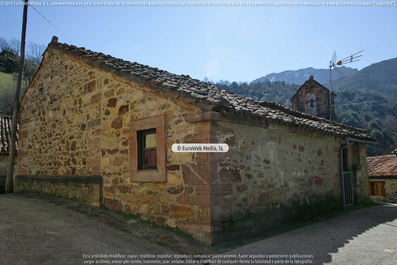 Fotografía de Iglesia de Nuestra Señora del Pando de La Focella en Teverga. Asturias. España.