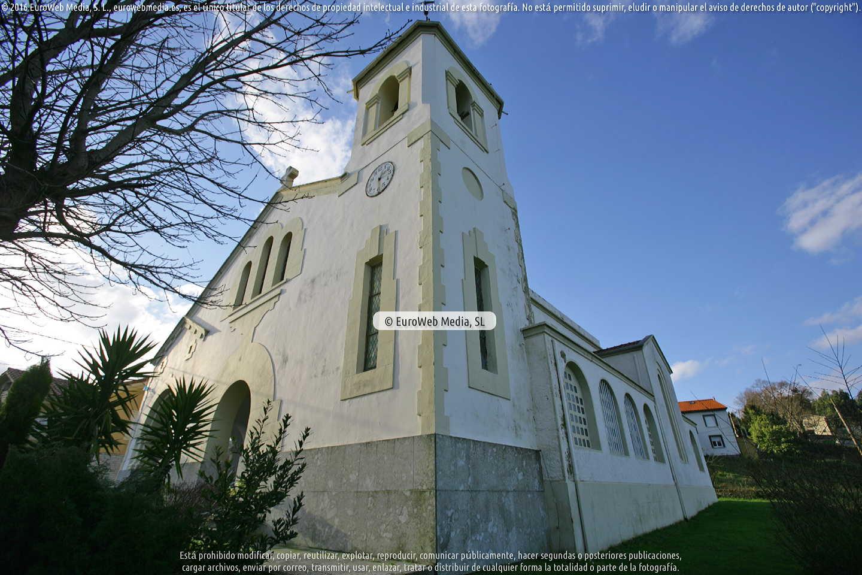 Fotografía de Iglesia nueva de Corrada en Soto del Barco. Asturias. España.