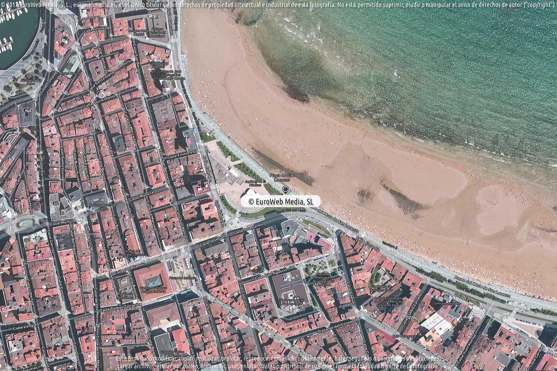 Fotografía de Oficina de Turismo de Gijón (Playa de San Lorenzo) en Gijón. Asturias. España.