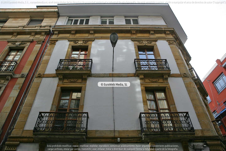 Fotografía de Edificio Travesía del Convento, 5 en Gijón. Asturias. España.