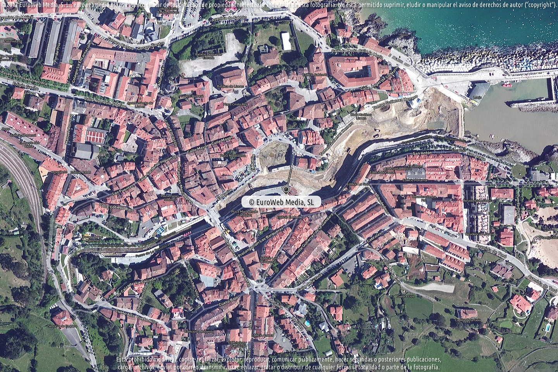 Fotografía de Oficina de Turismo de Llanes en Llanes. Asturias. España.