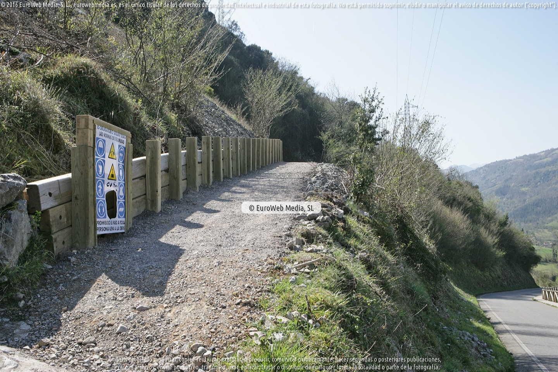 Fotografía de Ruta las Xanas en Santo Adriano. Asturias. España.
