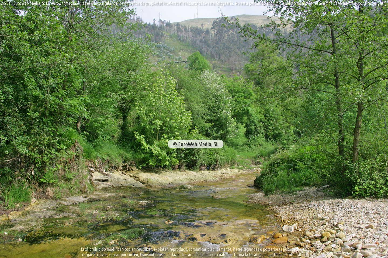 Fotografía de Río Ereba [Nueva] en Llanes. Asturias. España.