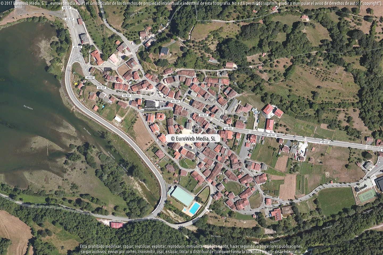 Fotografía de Oficina de Turismo de Sobrescobio en Sobrescobio. Asturias. España.