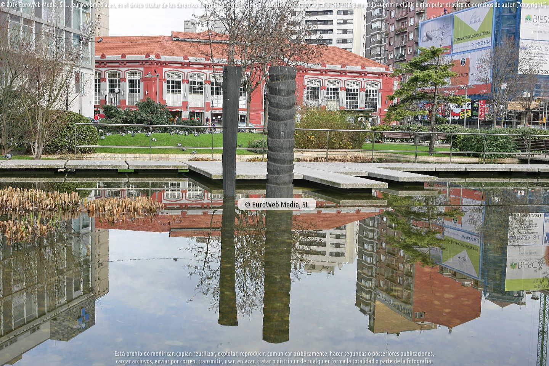Fotografía de Escultura «En la Memoria-Na Memoria» en Gijón. Asturias. España.