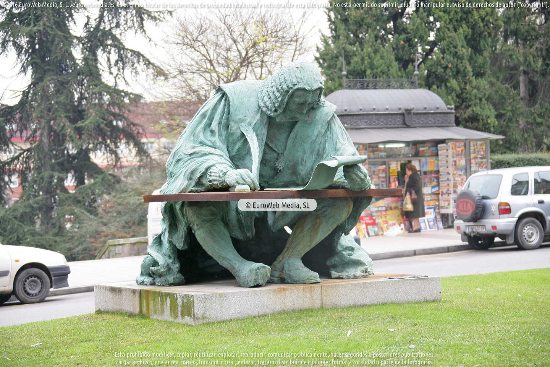 Fotografía de Escultura «Monumento a Campomanes» en Oviedo. Asturias. España.