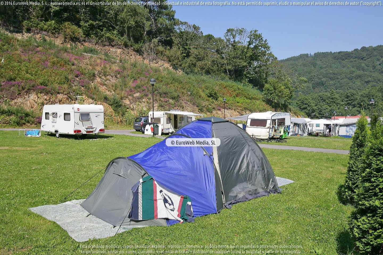 Fotografía de Camping San Pedro de La Ribera en Cudillero. Asturias. España.