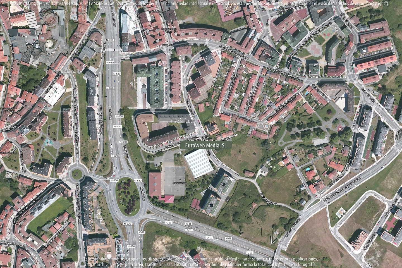 Fotografía de Polideportivo municipal «Pepín Moreno» de Fozaneldi en Oviedo. Asturias. España.