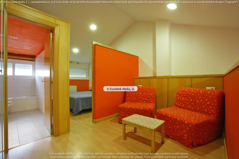 Fotografía de Apartamentos turísticos Silvano La Arena en Soto del Barco. Asturias. España.
