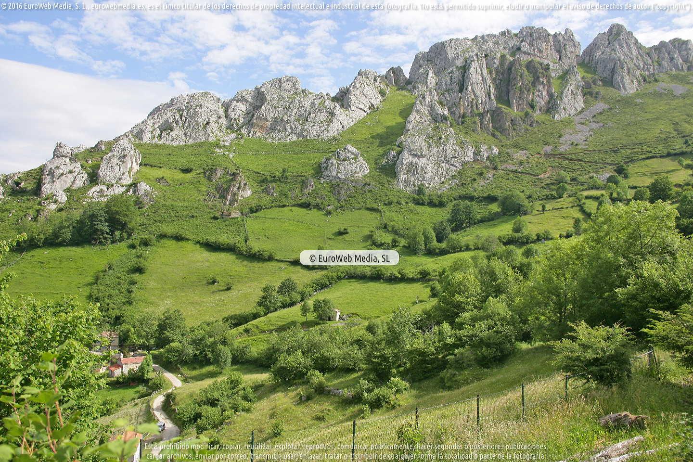 Fotografía de Capilla Les Campes en Laviana. Asturias. España.