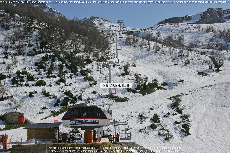 Fotografía de Estación invernal Fuentes de Invierno en Aller. Asturias. España.
