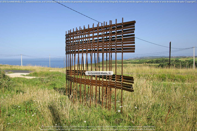 Fotografía de Escultura y Paisaje en el Arco Atlántico en Gozón. Asturias. España.