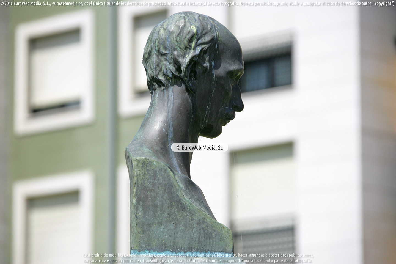 Fotografía de Escultura «Manuel Artime Fernández» en Carreño. Asturias. España.